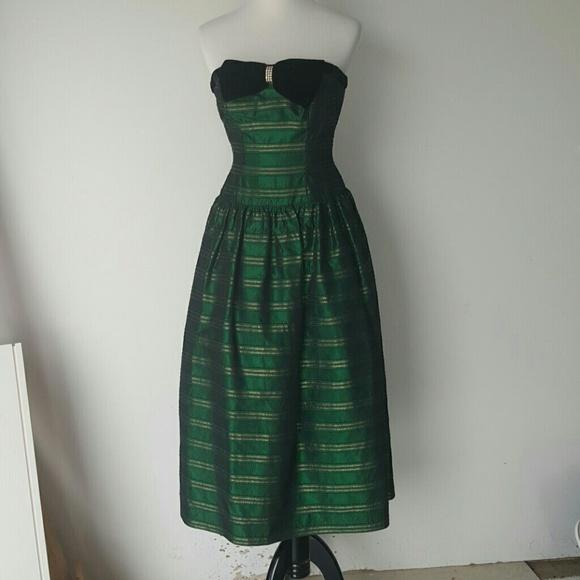 0765f0d08d0 Dresses   Skirts - Vintage Green Gold Holiday Homecoming Midi Dress 2