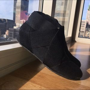 UNITED NUDE Shoes - UNITED NUDE Helix Lo black ankle boots.
