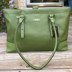 ⭐️SALE⭐️ NWT Tumi large green traveling bag