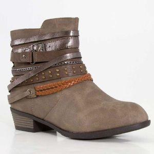 Pierre Dumas Shoes - Pierre Dumas Taupe Ankle Bootie