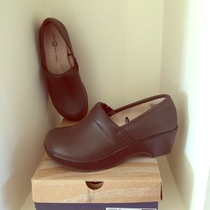 Jambu Shoes - JAMBU Brown Leather Clogs