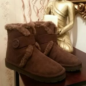Shoes - Brandnew Michael Kors Sheep fur Sued Ankle Boots