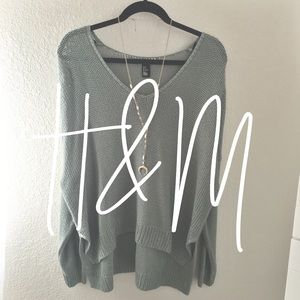 H&M / green sweater
