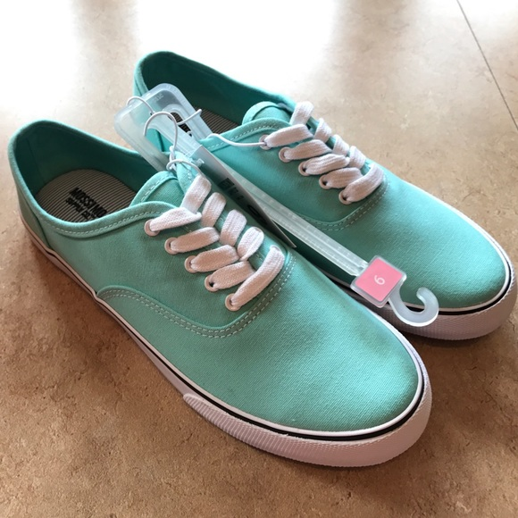000a1ad0d79 Mossimo Imitation Vans Sneakers
