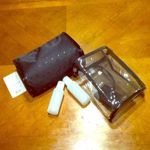 2Chillies Handbags - Cosmetic  bag  & Travel bag w/mirror & 4oz bottles