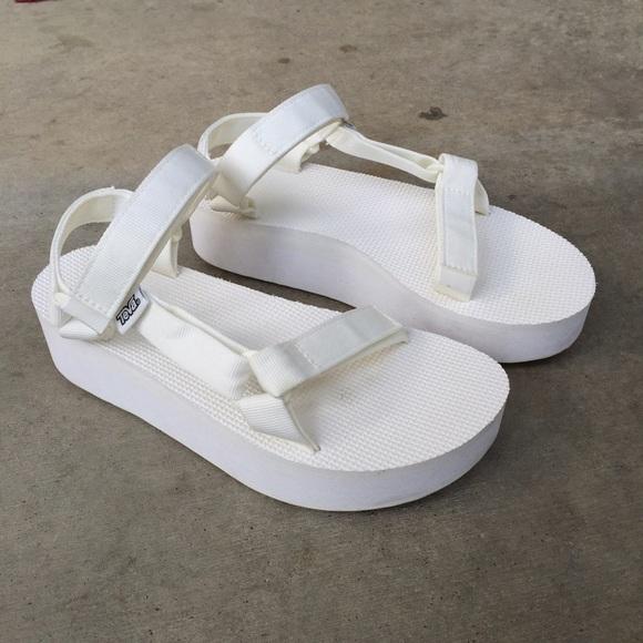 1c7a265dde1 teva white platform sandals. M 581519e64225be3fe601d545