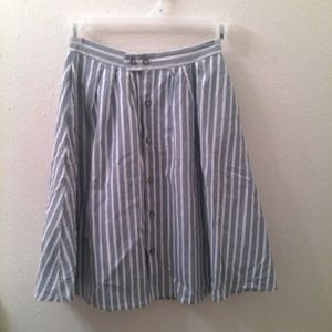 Dresses & Skirts - Stripe  knee-length skirt.