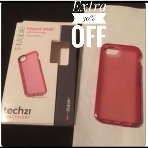 Accessories - NWT tech21 iPhone 5/5s case