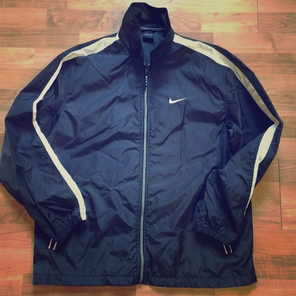 Black and White Vintage Nike Windbreaker. M 5815294aea3f36f67d020568 43cc6916a