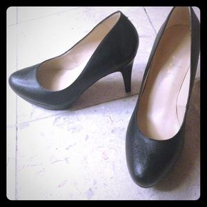 Marc Fisher Shoes - Black pumps. 4 inch heel.  So cute