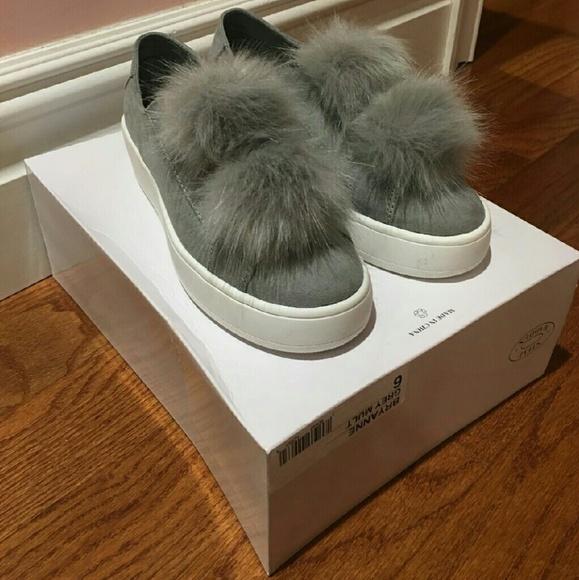 a6836302e5a Steve madden pom pom shoes NWT