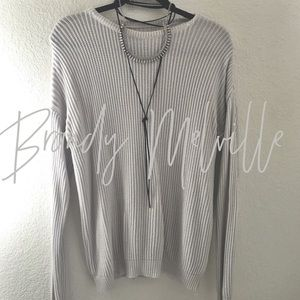 NWOT / Brandy Melville / sweater