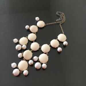 Jewelry - Cream and white bubble necklace