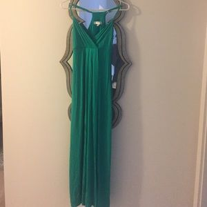 Dresses & Skirts - Green spaghetti strap maxi dress, size xs