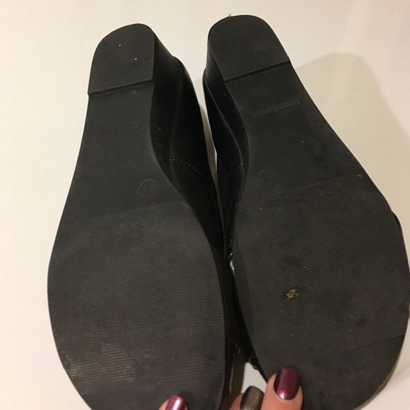 how to fix faded black shoes
