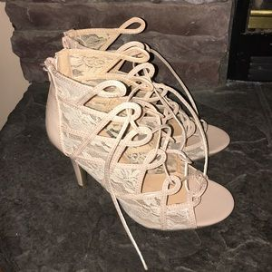 Nude Lace heels Brand New