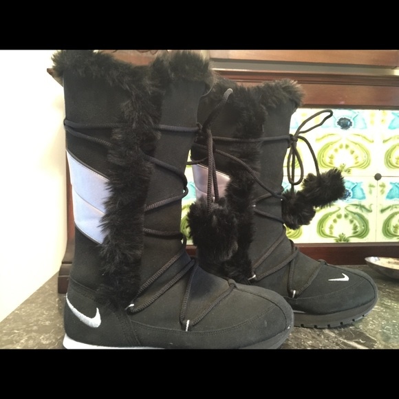 e001a1327301be NEW Nike Winter High Suede Black Boots. M 58164b318f0fc4ad5f0158a2
