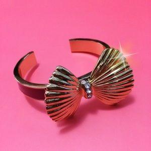 Lilly Pulitzer seashell bow gold bangle bracelet