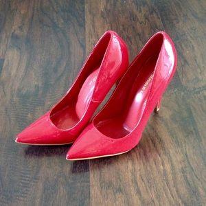Shoe Republic LA Shoes - 👠Shoe Republic LA Fire Engine Red Pumps👠