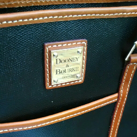 Dooney & Bourke Bags - Limited Edition Shoulder Tote