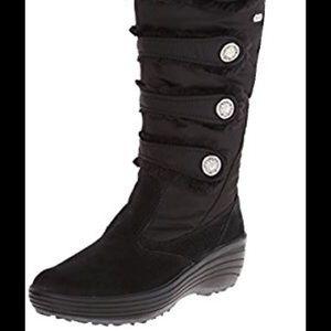 Pajar Maureen fur black winter boots. Size 40