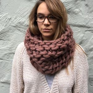 Simonetta Accessories - NWT Simonetta Cowl