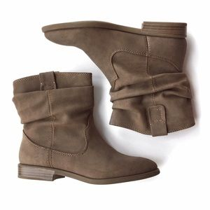 JustFab Shoes - FINAL REDUCTION❗️Slouchy Flat Booties