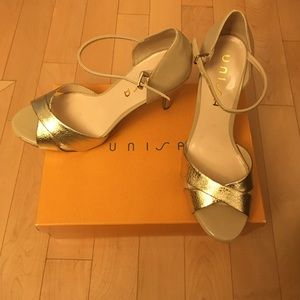 Unisa Shoes - Unisa Nude & Gold Heels 🌟