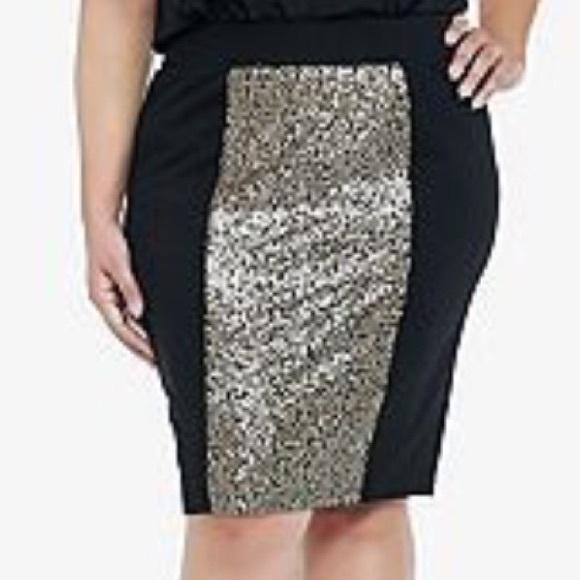 3fc4a0de516e0 Torrid Black and Gold sequin panel skirt size 0. M 58166da136d594ba6801db29