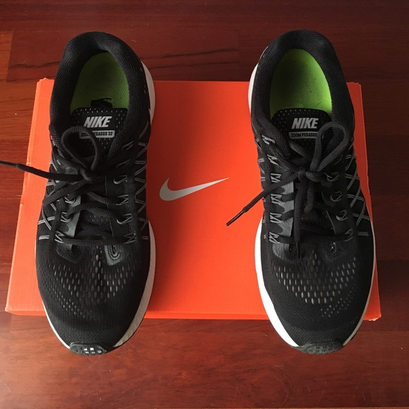 Nike Black Zoom Pegasus 32 Training Shoes