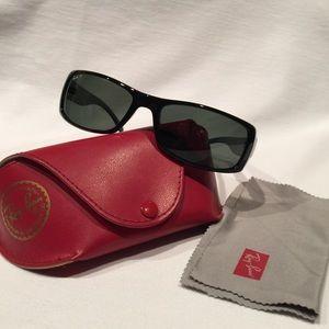 🌺Reduced🌺Ray Ban polarized Sunglasses