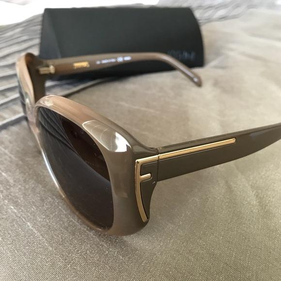 90fdaadb362 Authentic Fendi Brown Taupe Dove Oval Sunglasses