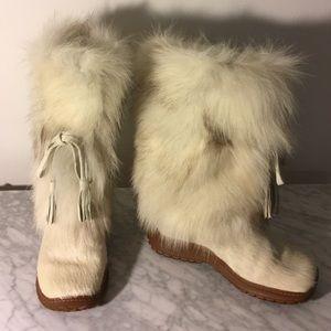Pajar Shoes - NWOT White Fur Pajar Boots