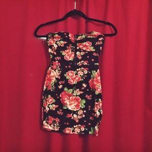 Forever 21 Dresses & Skirts - Forever 21 🌹 Floral Strapless Mini Dress