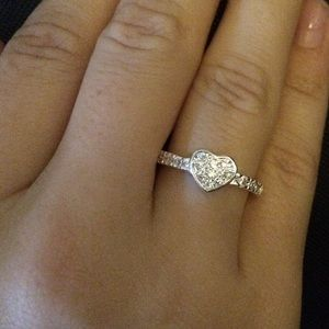 NWT Petite Pave Heart Ring 7
