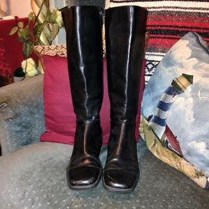 AJ VALENCI Shoes - AJ VALENCI Black leather side zippered boots, SZ9