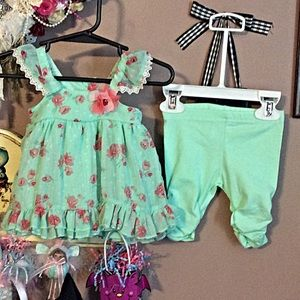 Nanette baby  Other - Nanette baby outfit EUC 👗👗