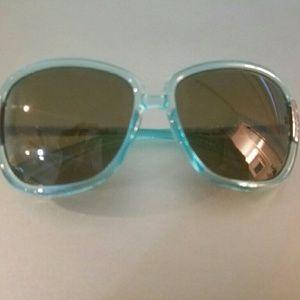burberry blue sunglasses j3bx  100% Authentic Burberry Blue large sunglasses