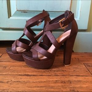 Brown Platform High Heel in 6.5
