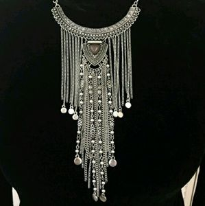 Jewelry - 💋Eclectic BOHO Silver fringe necklace