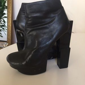 LF Stores Shoes - Black heels