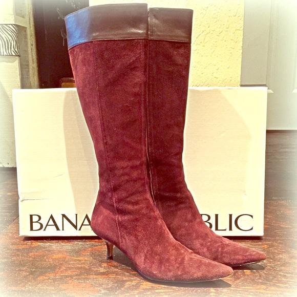f4393896913fb Banana Republic Shoes - Banana Republic kitten heel suede boots