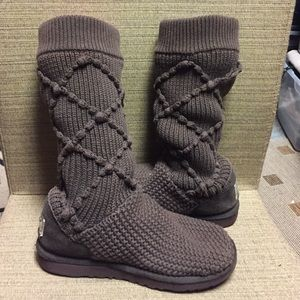 UGG Knit boots size 7