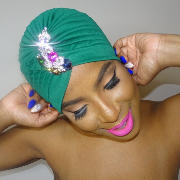 Accessories - Enbrooched Royal Turban
