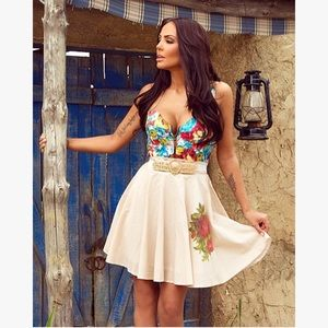 Multi Colored Flower Detail Corset-Like Fitted Top