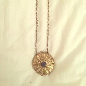 Jewelmint Jewelry - Jewelmint Locket Necklace