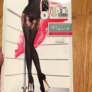 """Fiore golden line """"Gladis"""" patterned tights. BNWT"""