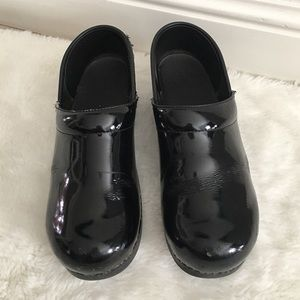 Dansko Shoes - Dansko Black Patent Leather Clogs Size 38
