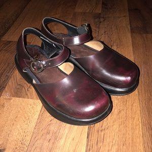 Dansko Shoes - Size 39 Dansko Leather Buckle Clogs Shoes Burgundy