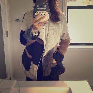 Jolt Jackets & Blazers - Gorgoeus faux shearling jacket!